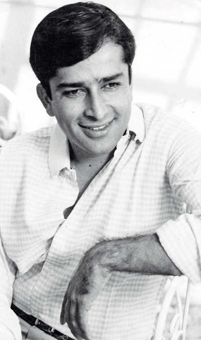 Shashi Kapoor passes away: A tribute by Khalid Mohamed