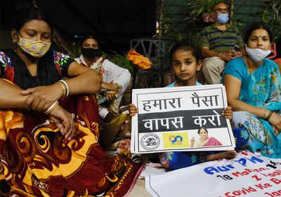Watch: PMC depositors start overnight protest in Mumbai
