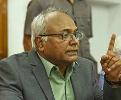 Telangana: Controversial writer Kancha Ilaiah attacked with footwear outside court