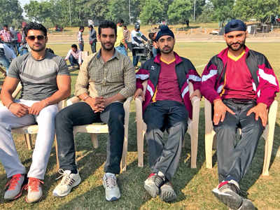 Angad Bedi, Diljit Dosanjh share frame with Bikramjeet and Sandeep Singh on the sets of Soorma