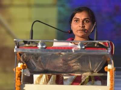 Vaishali Yede, farmer widow who made inaugural speech at Marathi literary meet, set to contest from Yawatmal-Washim seat