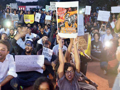 Anti-CAA stir: Bengaluru students thronged to protest against CAA, NRC in Central College grounds on Friday