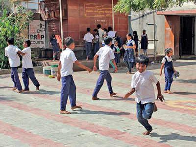 Late for school, 300 kids shown the door