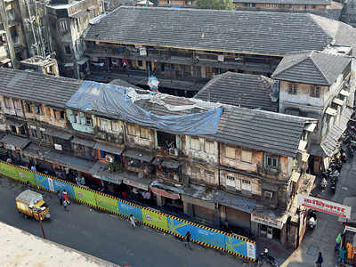 Residents of 125-year-old chawl begin to make way for Metro line