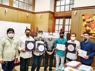 Families of organ donors felicitated by Health Min