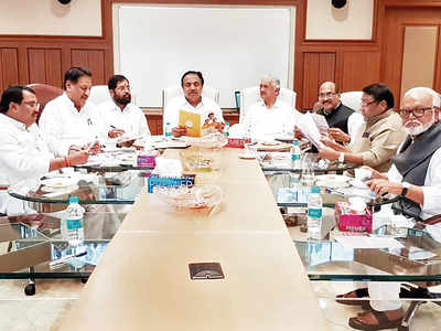 Cong-NCP-Sena promise a Maha crop loan waiver, to cost the state Rs 1.5 lakh cr