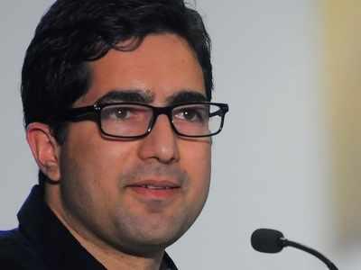 Ex-IAS officer Shah Faesal sent back to Kashmir from Delhi, detained under PSA in Srinagar