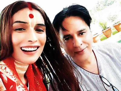 Rahul Roy is back home from the hospital