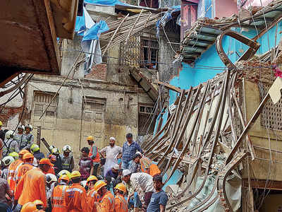 Dongri bldg collapse: Illegal structures line narrow lanes