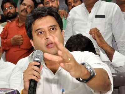 Jyotiraditya Scindia removes Congress from his Twitter bio