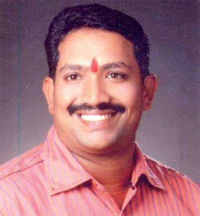 Karnataka: Ex MLA's son falls off train, found dead on rail bridge