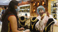 Gold prices hit all-time high but shoppers stay away