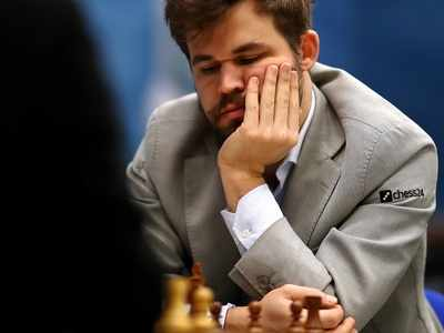 Magnus Carlsen lauded for conceding game after opponent Ding Liren disconnects