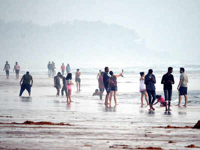 A party destination at the best of times, Goa overwhelmed by visitors during the pandemic
