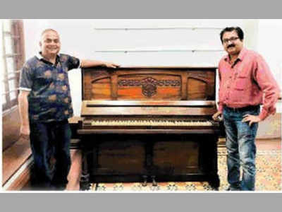Piano of music director Shankar of famous Shankar-Jaikishan duo joins Pune NFAI's collection