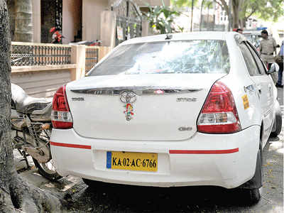 Clinic owner abducted,  driven around for over 6 hrs; escapes in filmi style after tyre bursts