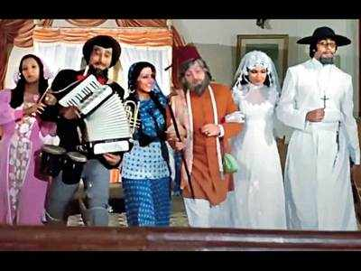 This Week That Year: 43 years of Amar Akbar Anthony-Shabana Azmi recalls how Amitabh Bachchan had to give 14 takes for drunken scene infront of the mirror due to the camera