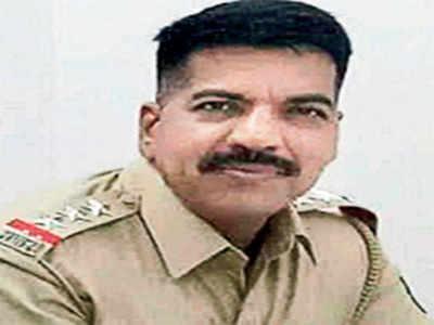 Daya Nayak, six other cops shifted from Mumbai, Thane