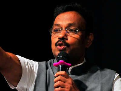 Education Minister Vinod Tawde slammed for allegedly ordering 'arrest' of a student in Amravati