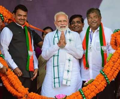 Chandrakant Patil begins campaigning in Kothrud by making peace with Medha Kulkarni