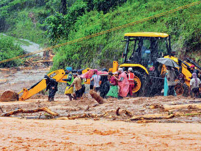 Flood: Close to three lakh in relief camps in Kerala