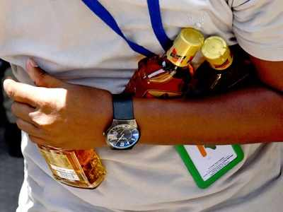 Customers face glitches as Kerala resumes sale of alcohol using queue management app