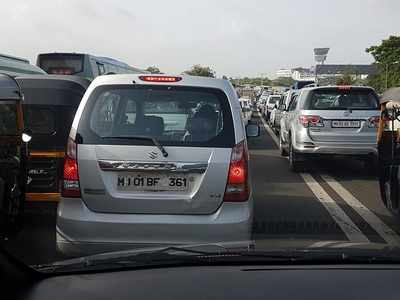 Mumbai traffic alert: Accident near domestic airport affects traffic movement on Western Express Highway
