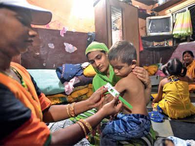 Bohras fund health of 100 Govandi children