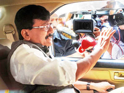 Shiv Sena leader Sanjay Raut undergoes angioplasty at Lilavati Hospital