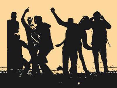 Mob locks up city cops in Rajasthan as accused flees