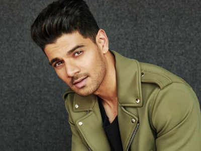 Sooraj Pancholi set to embark on an extraordinary journey
