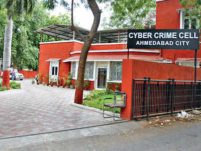 3 citizens lose Rs 28.5L to cyber fraud
