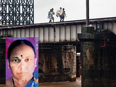 5 days after fall off Vaitarna bridge, woman's body found
