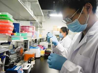 Chinese laboratory believes new drug can stop COVID-19 pandemic 'without vaccine'