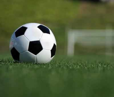 Soccer-Solskjaer slams Man Utd defending after defeat at Basaksehir