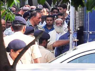 Self-styled godman Asaram's bail plea rejected by Supreme Court in Surat rape case