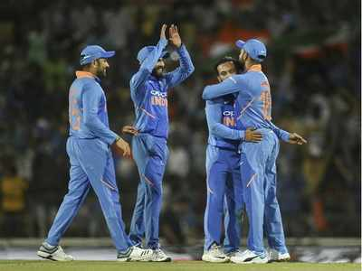 India beat Australia by 8 runs in second ODI; Virat Kohli, bowlers Shine
