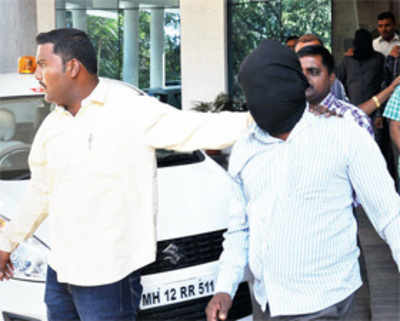 Cops bust gang that targetted 21 temples, stole jewellery, cash