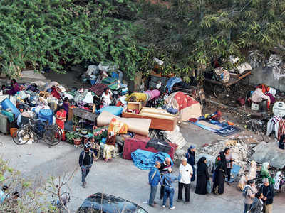 Residents offer help to displaced slum dwellers