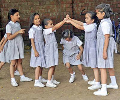 Schools postpone new admissions
