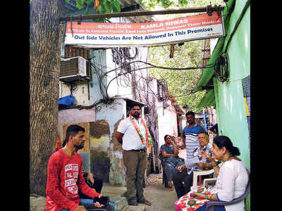 Two Bhandup chawls resist SRA survey