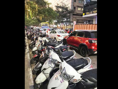 Negligent parking irks Aundh residents