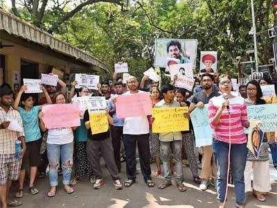 TISS urged to resolve deadlock over student fee
