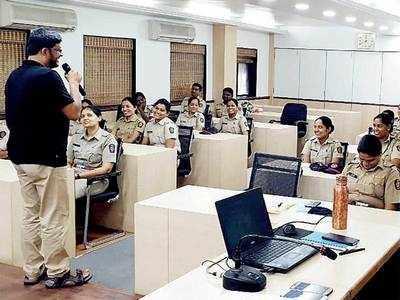 Credai gives Pune police a crash course on glib-talk