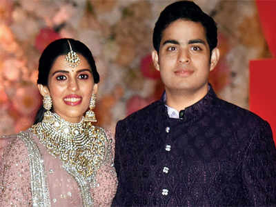 Celebrities dazzle at Akash Ambani-Shloka Mehta's engagement party