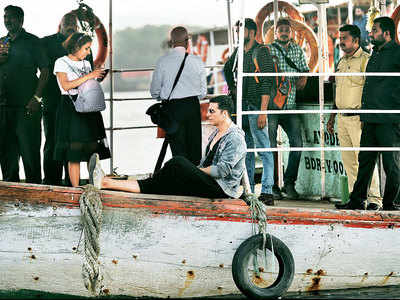 Spotted: Akshay Kumar enjoys a boat ride in Mumbai