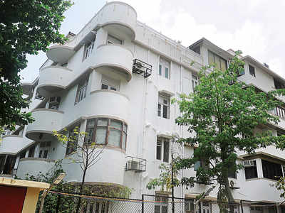 No takers for Peter Mukerjea's swanky flat at Worli