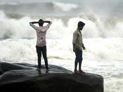 Cyclone Nivar: Low-lying areas of Tamil Nadu, Puducherry go under water; NDRF teams on high alert