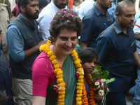 Priyanka Gandhi should not be allowed in Kashi Vishwanath temple: Lawyers