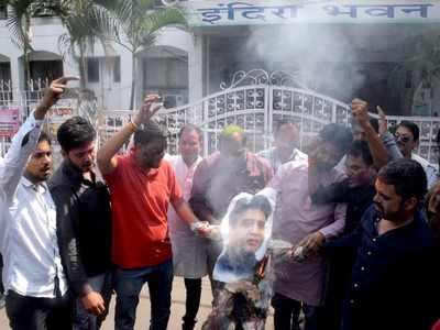 Madhya Pradesh Crisis: Congress to shift its MLAs to Jaipur, BJP lodge MLAs in Gurugram hotel